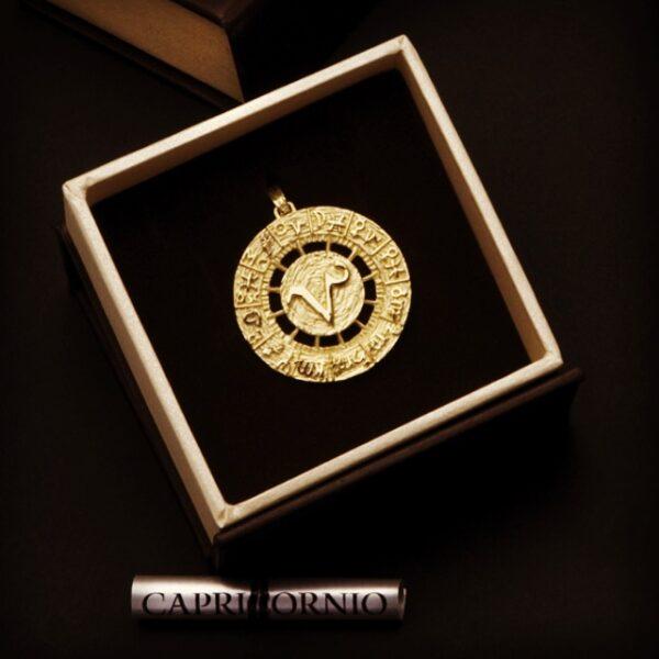medalla Carta Astral Capricornio