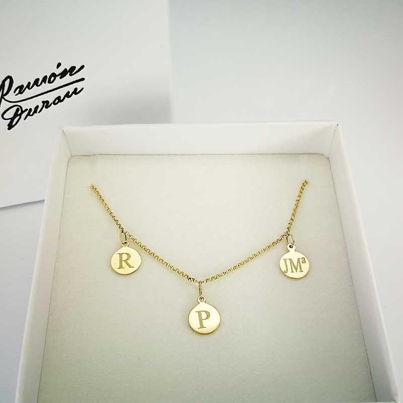 Collar-oro-3-lentejas-estuche